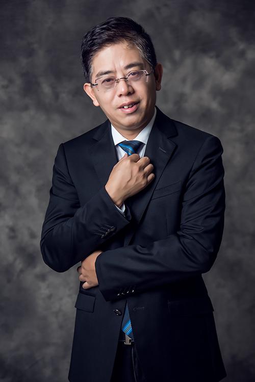 周晓鸿律师